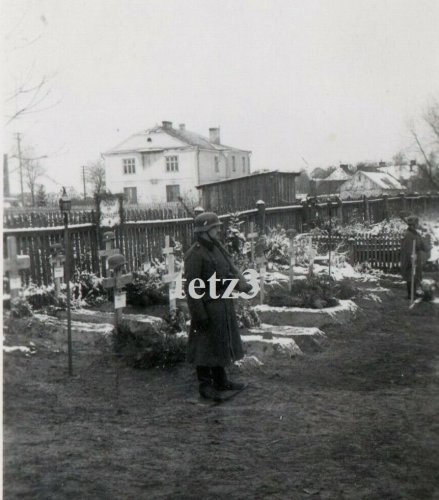 Polen 1939 Tomaszów Lubelski Deutsche Gräber Grab Heldengräber Friedhof.jpg