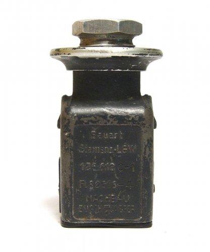 2-polige-Buchse-fur-Gerate-der-Luftwaffe-Fl-32616-4-_57.thumb.jpg.57d23888ecfc15f66e16df6a23bcf3d8.jpg