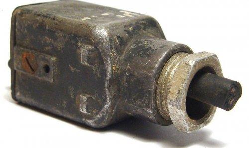 2-poliger-Stecker-fur-Gerate-Fl-32617-3-_57a.thumb.jpg.aba2e1803c807ed5d8f8bb8f717785c3.jpg