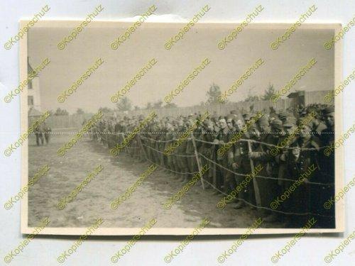 Gefangene polnische Soldaten im Lager in Ostrowice, Polen.jpg