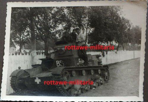Panzer Tank 7TP Beutepanzer Balkenkreuz B3 1939 Frieda.jpg