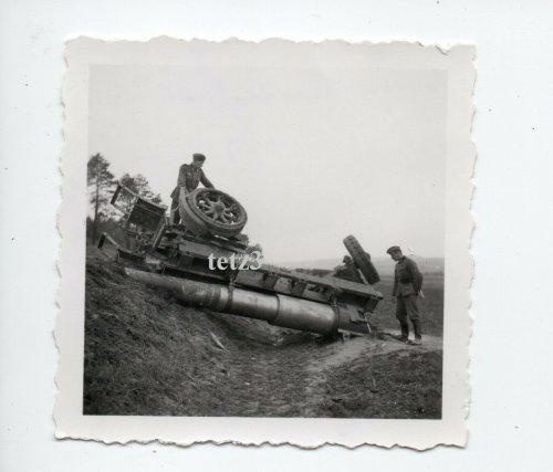 Polen 1939 b.Tomaszów Lubelski Geschütz Kanone Mörser Beute.jpg