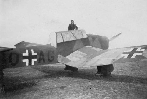 Junkers_Ju_87_Stuka__Atrappe_1940.jpg