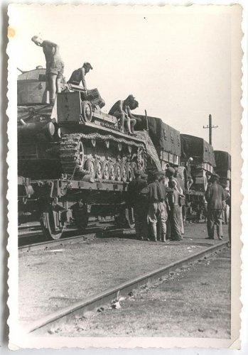 L14025-4.jpg