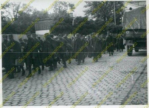 Gefangene polnische Soldaten in Tarnów.jpg