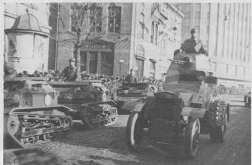 Parada wojskowa w Krakowie.jpg