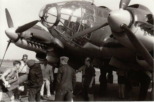 Flugzeug He 111 P ''5J+.L'' 3. KG 4 Polenfeldzug September 1939_0.jpg