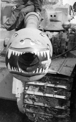 Tiger I z s.Pz.Abt. 502 pod Leningradem 1942-43.jpg