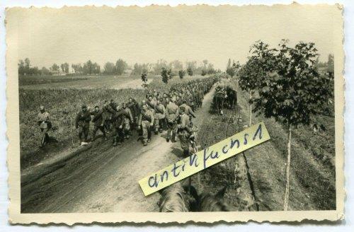 gefangene Soldaten aus Polen nach Schlacht bei Kutno in Polen 1939.jpg