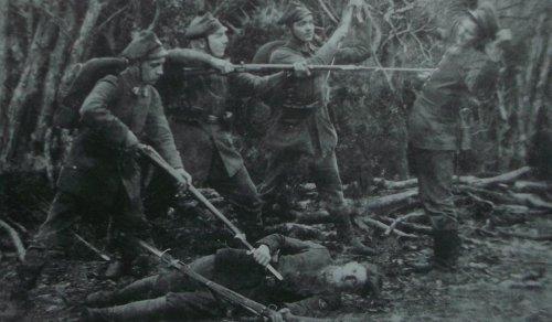 1920 pozorowana walka na.JPG