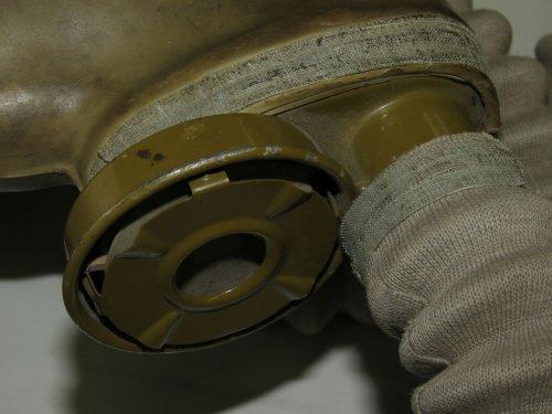 bn-t4-rkka-gasmask-pre-war-issue-completed-set-rare-21.thumb.JPG.16938cc25aa47d58b176aea22e6afceb.JPG