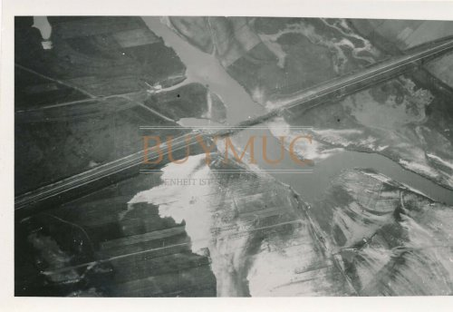zerstörte Brücke über die Warta bei Radomsk.jpg