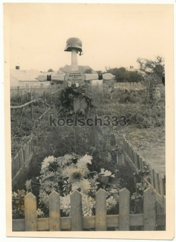 Wehrmacht Soldaten Gräber Peterson u. Gegenfurtner gefallen in Polen 1939.jpg