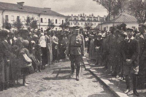 dowbor musnicki i karnicki pierwsze urny na kopic w bobrujsk.JPG