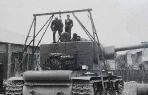 tank kw2 d.JPG