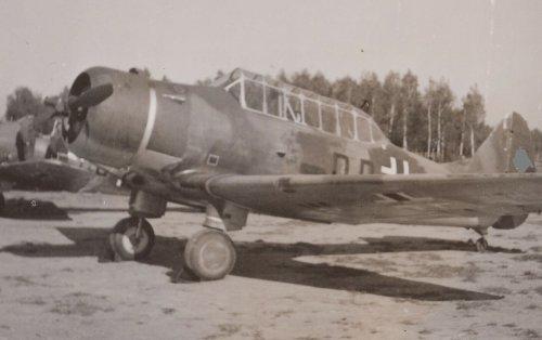 Feldflugplatz Litzmannstadt Łódź Luftwaffenflugzeug Beute N.A.46 1941.jpg