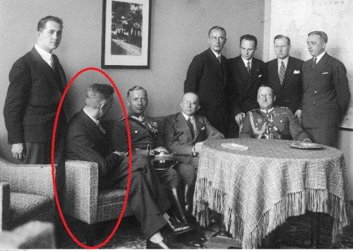 Spotkanie w Min.Kom.03.08.1933.jpg
