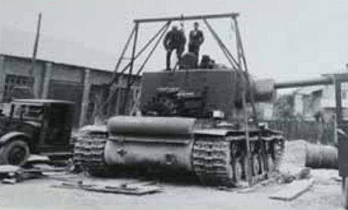 tank kw2 a.JPG
