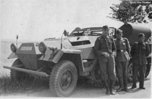 Sd.Kfz_.251-14_Schallauswertepanzerwagen.thumb.jpg.6ab0753cc74a858f91bfd40b1b027bfb.jpg