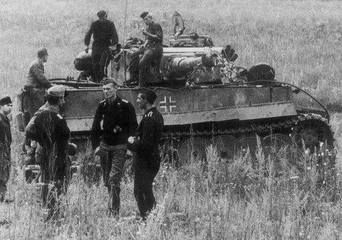Tiger I z Schwere Panzer-Abteilung 503 pod Kurskiem7.jpg