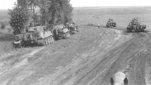 Tiger I z Schwere Panzer-Abteilung 503 pod Kurskiem1.jpg