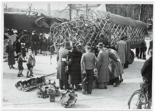 Beuteflugzeuge in Berlin-Adlersdorf -  März 1940.jpg