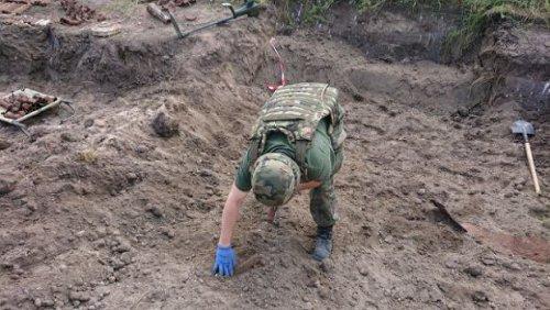 z25072637Q,Lipnik--gmina-Kije--Patrol-saperski-usuwa-pociski-.jpg