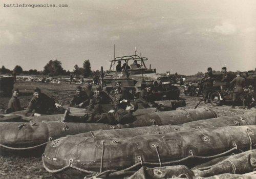 sdkfz251_rafts maszt z prawej.jpg