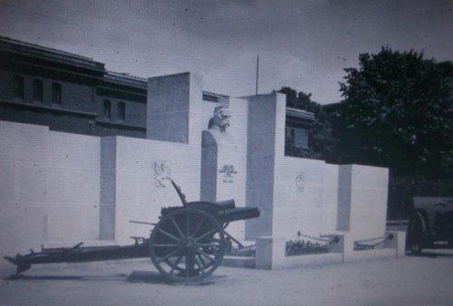 k pomniki jp.JPG