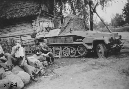 184 zzzSdKfz_251-6_Ausf_B.jpg