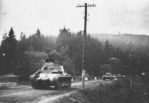 Befehlspanzer_I_Beskidy_Poland_1939.jpg