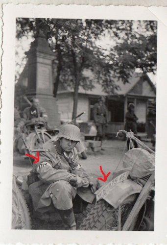 Vor Lublin 1939 Polen WH Inf.Rgt.66 Motorrad Kradmelder Divisionsgefechtsstand.jpg