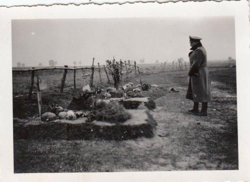 Clowaczow Polen Beerdigung 10 Motorrad Kradmelder v.10.9.1939 General Otto (2).jpg