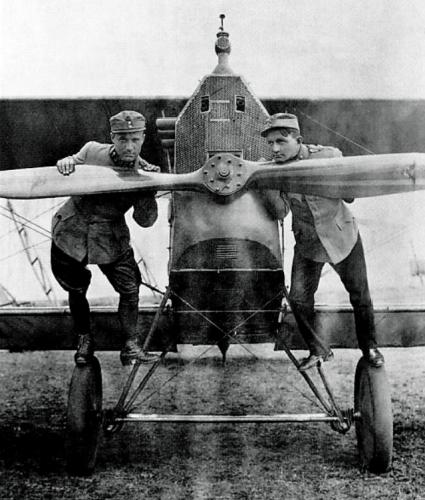 Oblt.Stefan Bastyr-Aviatik D.I-Oblt. Stanisław Jasi ński  Flik 37P 1918 r..png