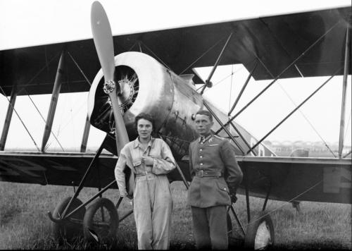 Jadwiga Pitulanka i st.sierż.pil. Stanisław Działowski Hanriot H-28 Aer.Krakowski 1934 r..png