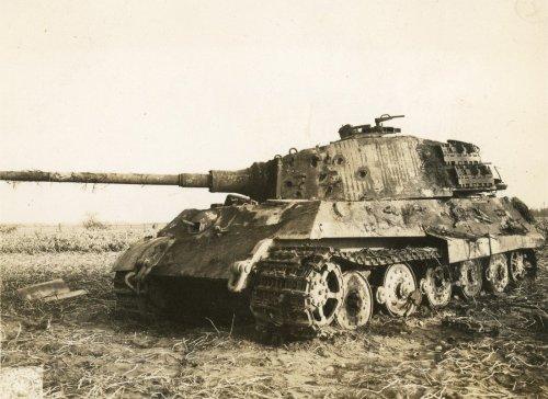 Tiger II Aachen, Germany 1944.jpg