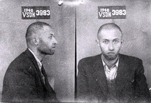 Menachem_Begin_in_September_1940.jpg