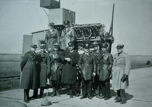 Ofic. MDLot 1929 r. silnik Lorraine Dietrich.png