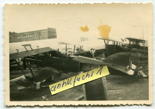 Jagd-Flugzeuge aus Polen bei Krosno in Polen_0.jpg