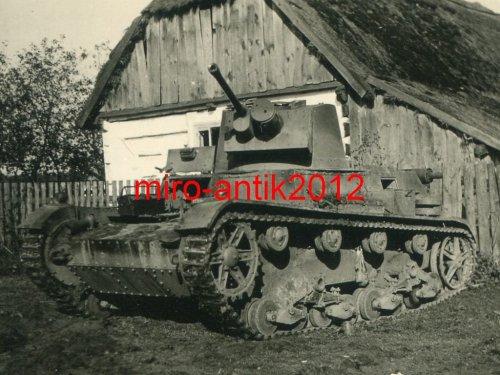 Foto-Panzerregiment-11-Beute-Panzer-7-TP-Nah.jpg