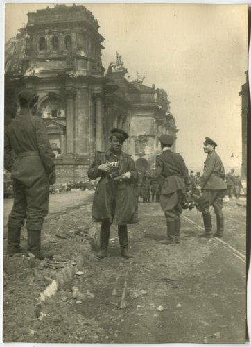 RUSSIAN MILITARY CAMERAMAN IN CENTER OF BERLIN, MAY 1945.jpg