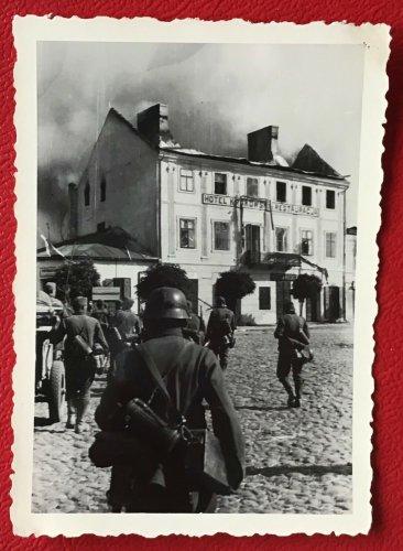 Polenfeldzug, Hotel Krakowski Restauracja, Lowicz, 10.9.1939.jpg