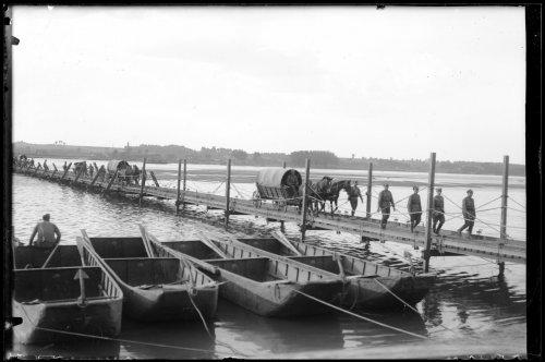 Przeprawa przez Wisłę taboru 1 Pułku Strzelców Konnych. Wychodź - 10.08.1934.jpg