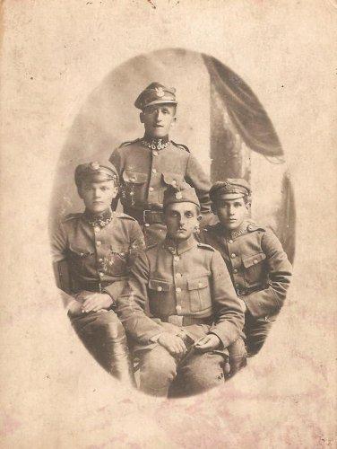 Kijów 20 czerwca 1920 r. załoga polskiego pociągu pancernego Groźny.jpg