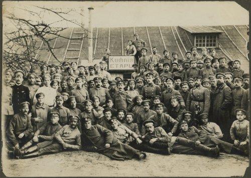 Portret zbiorowy żołnierzy I Korpusu Polskiego.jpg