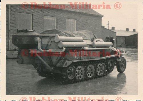 Schützenpanzerwagen SdKfz. 251 mit Holzvergaser Panzerfahrschulwanne Hammer_1.jpg