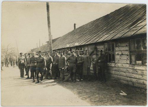 Bobrujsk, grupa żołnierzy I Korpusu Polskiego w Rosji.jpg