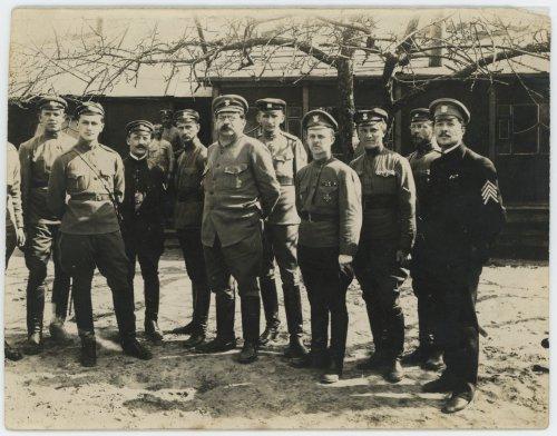 Bobrujsk, grupa żołnierzy i oficerów I Korpusu Polskiego w Rosji.jpg