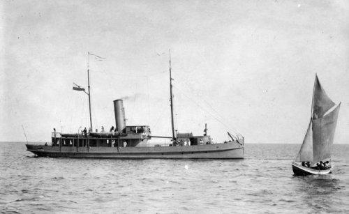ORP Pomorzanin – pierwsza jednostka morska Marynarki Wojennej.jpg