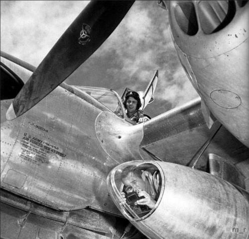P-38 Lightning rozpoznawczy.png